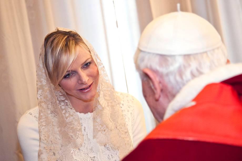 Princesa Charlene de Mônaco, durante audiência com o Papa Bento XVI, no Vaticano - 12/01/2013