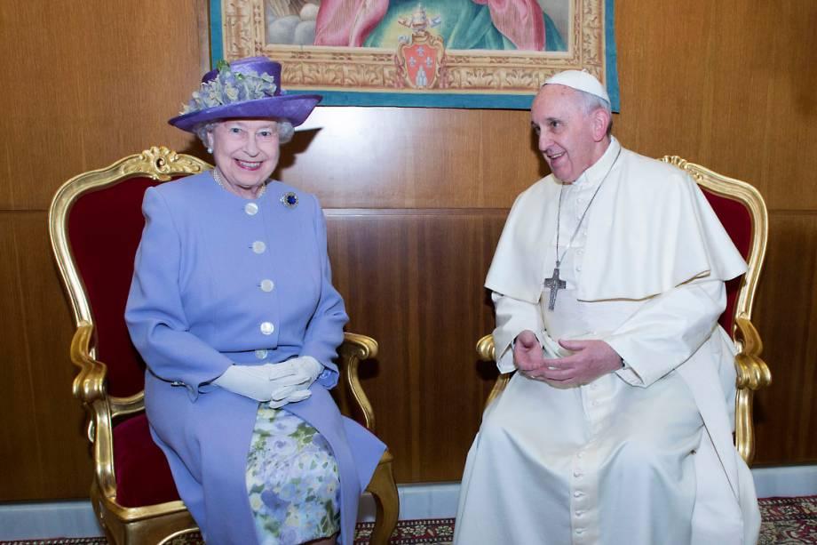 A rainha Elizabeth durante audiência com o Papa Francisco, no Vaticano - 03/04/2014