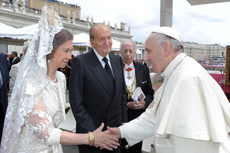 A rainha Sofia durante encontro o Papa Francisco, no Vaticano - 27/04/2014