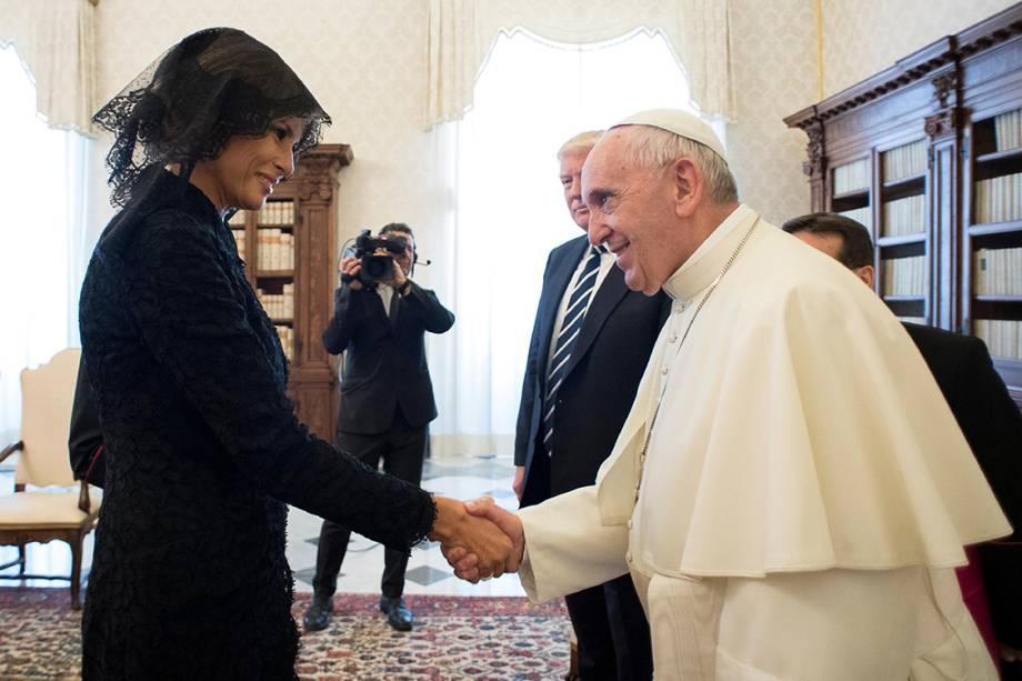 A primeira-dama dos EUA, Melania Trump, durante audência com o Papa Francisco, no Vaticano - 24/05/2017
