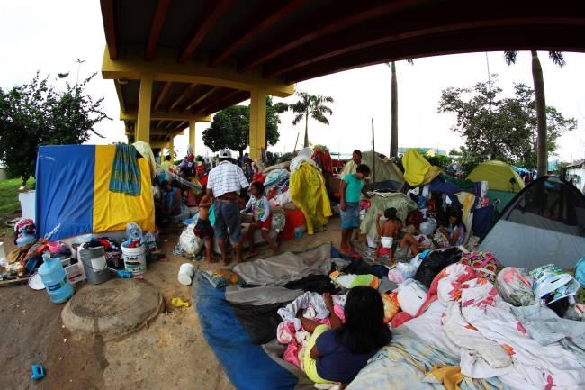 Índios venezuelanos da etnia Warao em Manaus