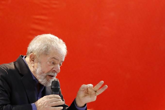 Lula participa de congresso do PT em São Paulo