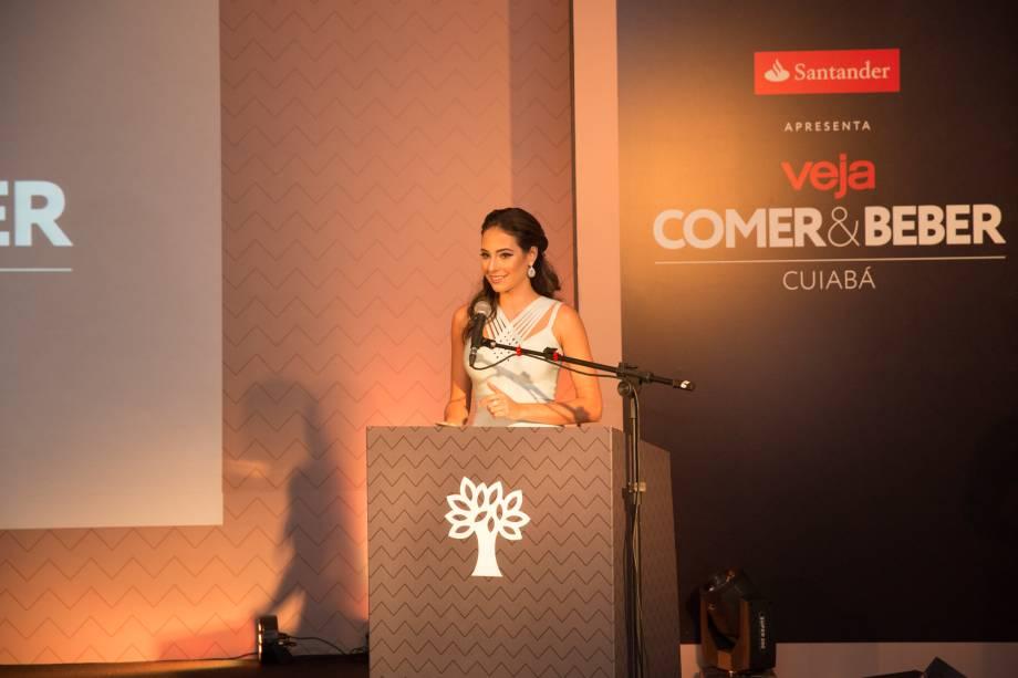 <span>A jornalista Camila Della Valle: a mestre de cerimônias</span>