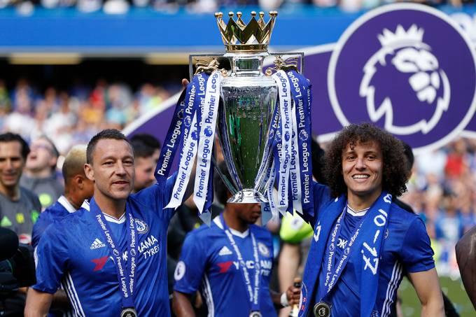 David Luiz e John Terri comemoram título da Premier League