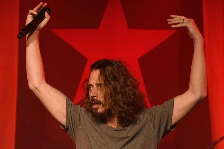 Chris Cornell, durante show em Los Angeles, Califórnia