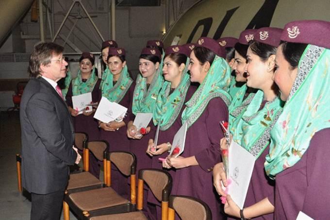 Comissárias de bordo da Pakistan International Airlines