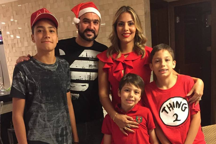 Danilo, a esposa Mirian e os filhos Matheus, Davi e Lucas