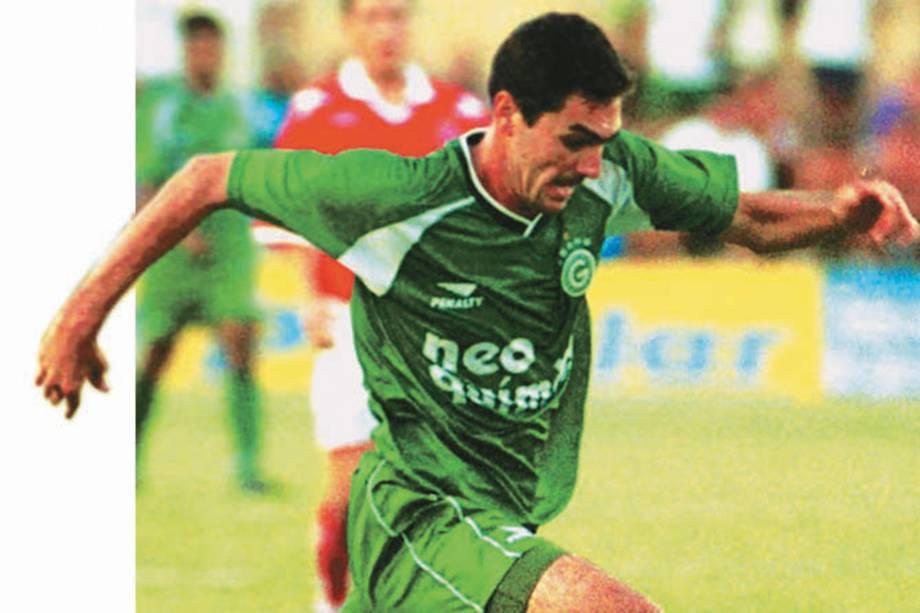 Danilo, jogando pelo Goiás em 2001