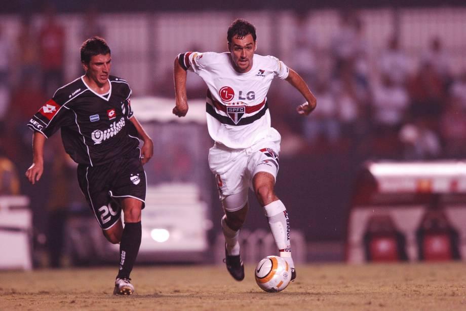 Danilo, do São Paulo durante jogo contra o Quilmes, válido pela Copa Libertadores de 2005