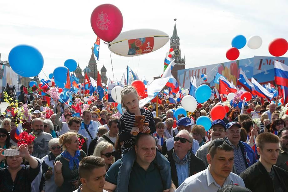 Manifestantes fazem protesto do Dia do Trabalho em Moscou, Rússia