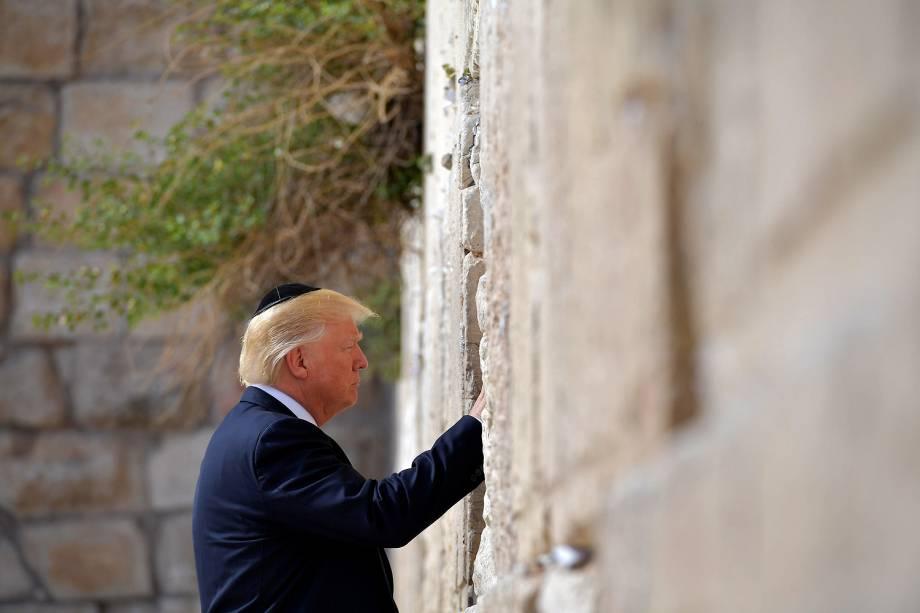 O presidente dos EUA Donald Trump visita o Muro das Lamentações, em Jerusalém - 22/05/2017