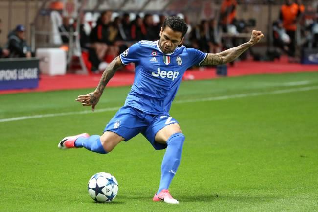 Daniel Alves da Juventus na semifinal da Liga dos Campeões contra o Monaco