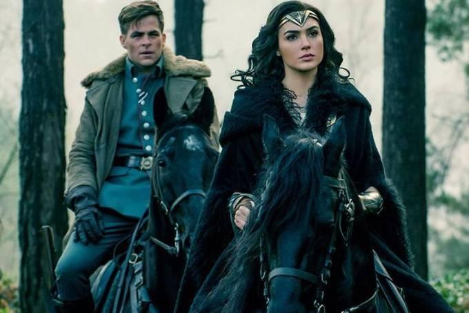 Gal Gadot e Chris Pine em cena do filme 'Mulher Maravilha'