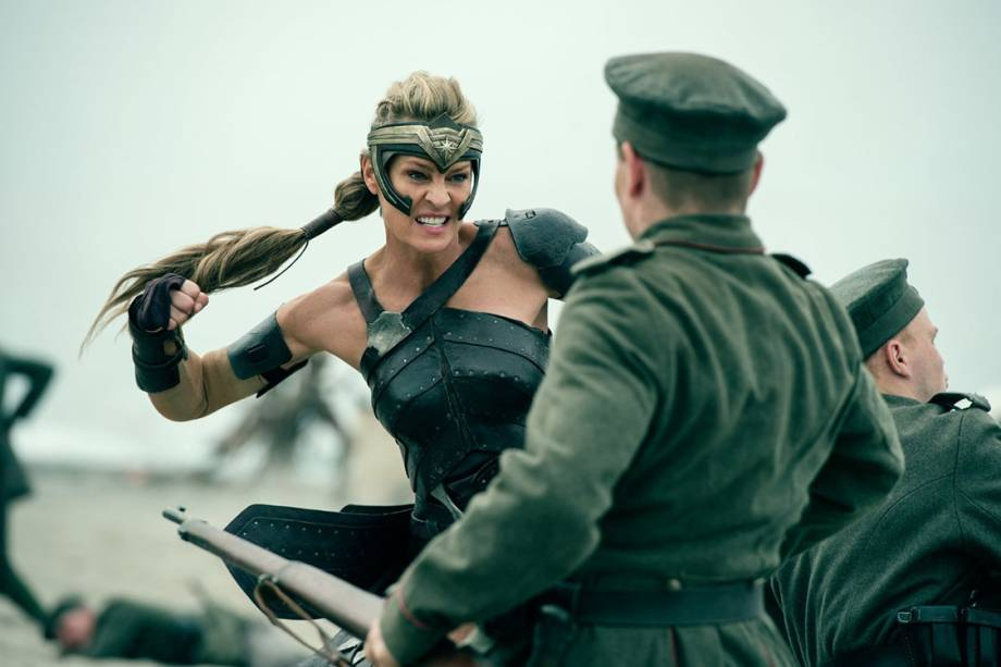 Robin Wright em cena do filme 'Mulher Maravilha'