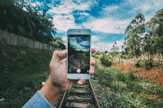 5 mostras de que os smartphones estragaram nossas viagens | Modo Avião