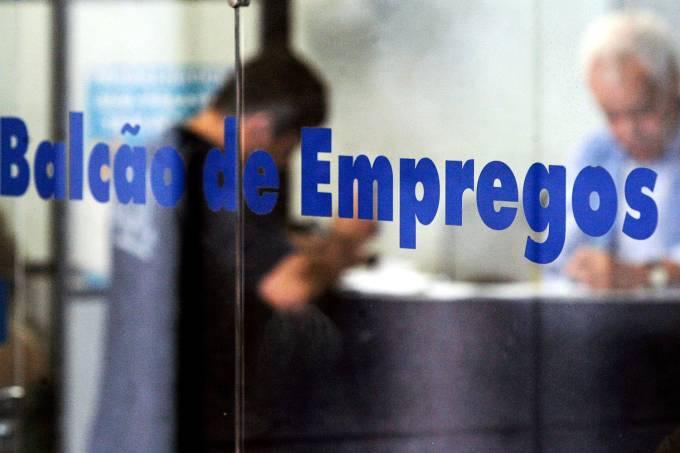 Balcão de empregos – Desemprego – Economia