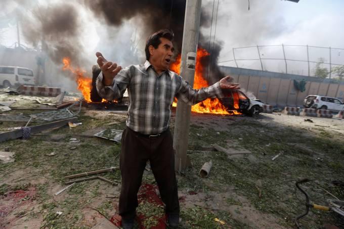 Ataque a bomba em Cabul no Afeganistão
