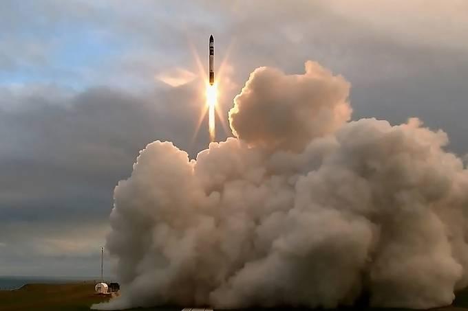 Imagens do dia – Lançamento de foguete na Nova Zelândia