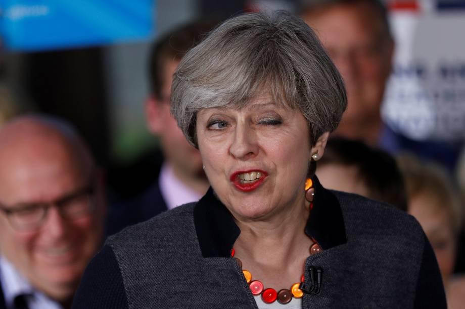A primeira-ministra britânica, Theresa May, fala durante campanha em Bristol, Inglaterra