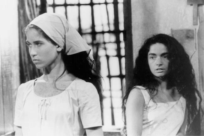 "Ingra Liberato e Claudia Ohana na novela ""Tieta"", da Rede Globo."