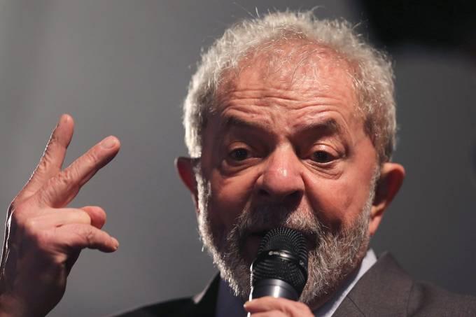 Lula condenado à prisão por Sergio Moro