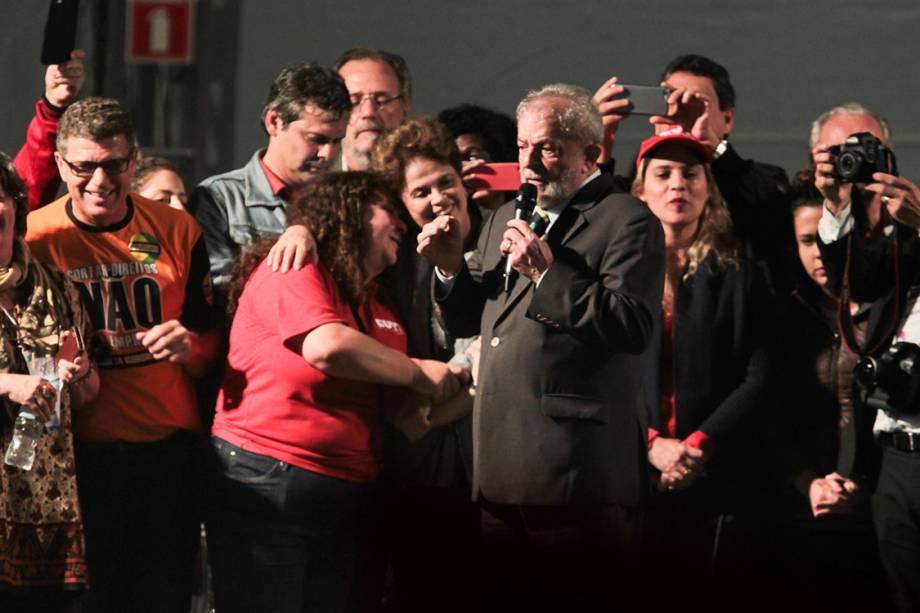 Lula e Dilma falam para 50 mil pessoas após o Ex presidente ter sido ouvido pelo juiz Sergio Moro na tarde desta quarta-feira (10)