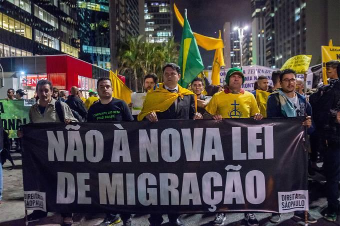 Protesto contra a Lei de Migração