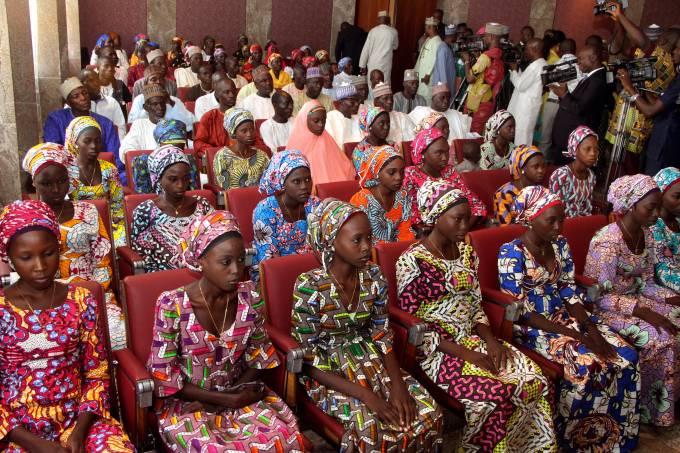 Boko Haram liberta meninas sequestradas na Nigéria