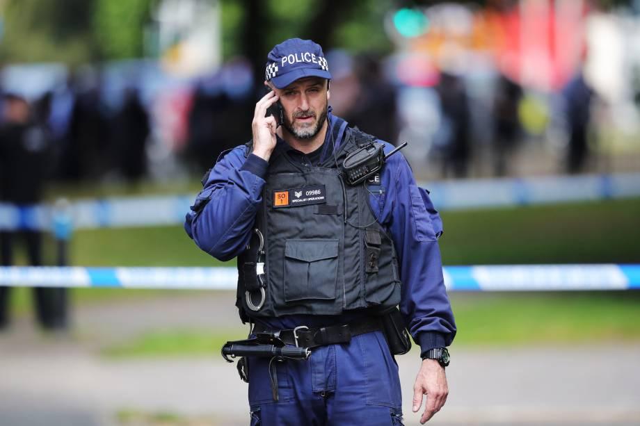 Polícia patrulha as ruas de Manchester durante investigação do ataque terrorista durante show da cantora Ariana Grande na última segunda-feira - 25/05/2017