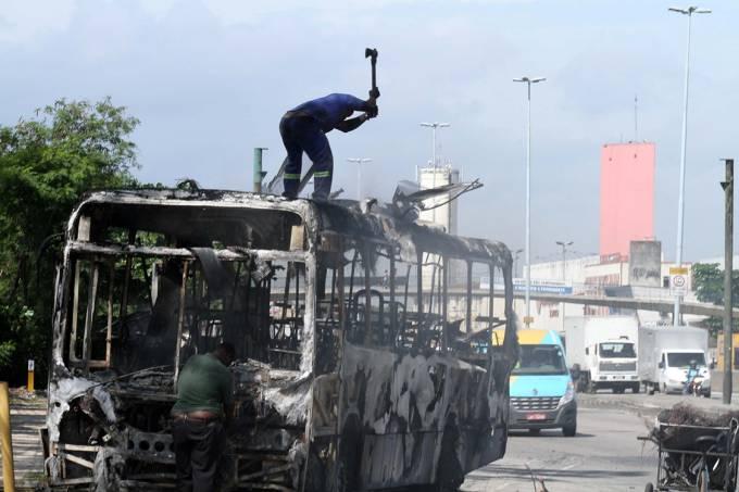 Ônibus incendiados no Rio de Janeiro