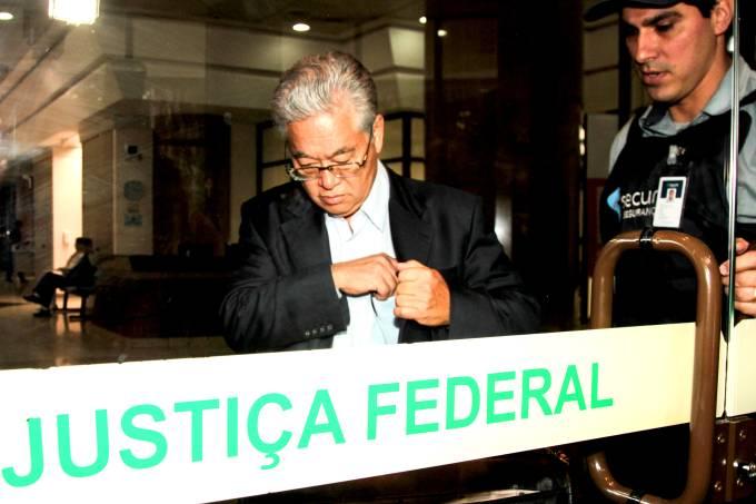 Paulo Okamoto, presidente do instituto Lula, chega a sede da justiça federal no Paraná – 04/05/2017