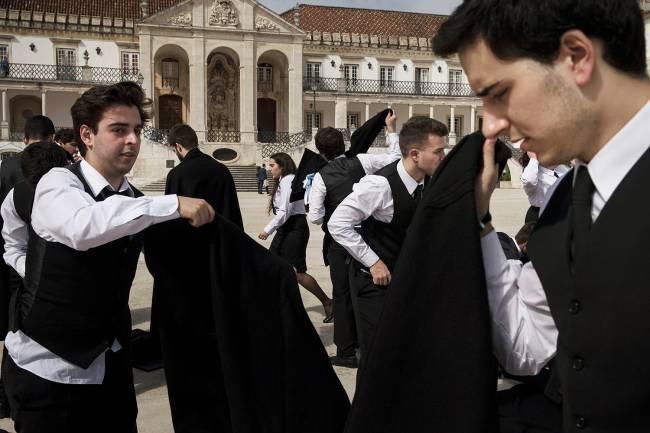 Estudantes portugueses na universidade de Coimbra.