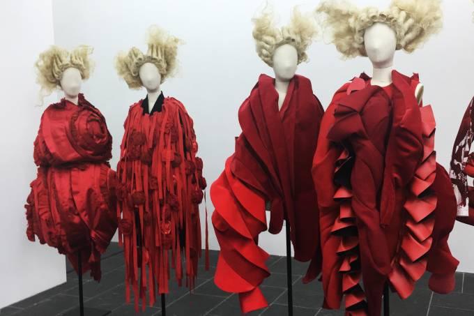 Exposição das obras Rei Kawakubo no MET