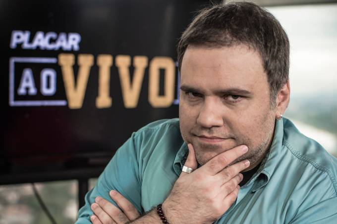Rodrigo Rodrigues apresentador do PLACAR Ao Vivo