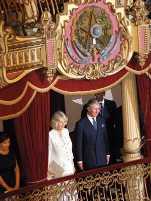 Em 2009, o príncipe Charles, da Inglaterra, e a esposa, Camila Parker-Bowles, assistiram a um concerto da Amazonas Filarmônica