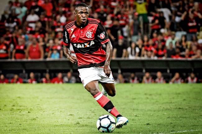 AINDA UMA PROMESSA- O atacante poderá ficar outros dois anos no Flamengo