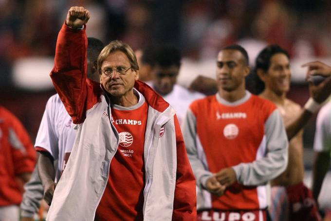 O técnico Waldemar Lemos no Náutico em 2009