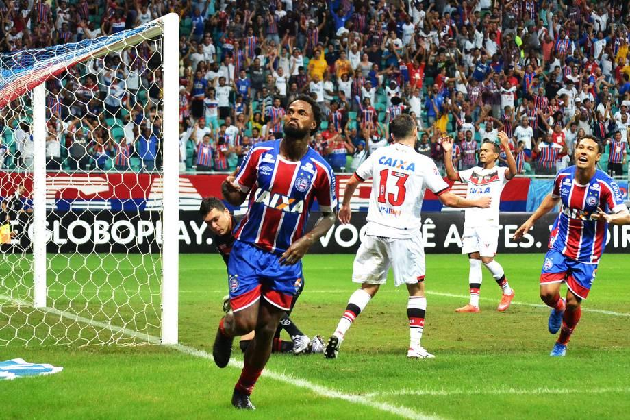 O jogador Rener Junior do Bahia comemora gol durante a partida contra o Atlético GO, no Estádio Arena Fonte Nova em Salvador (BA) - 05/06/2017