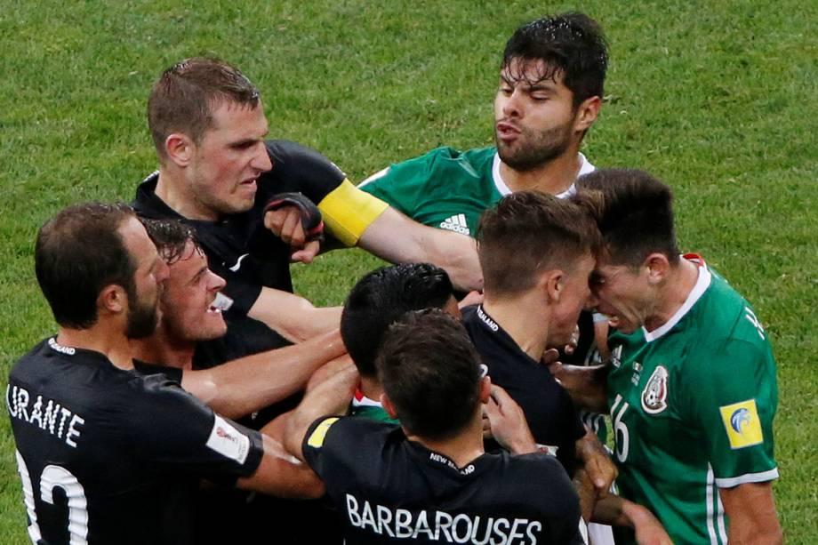 México e Nova Zelândia disputam partida válida pela Copa das Confederações em Moscou, na Rússia - 21/06/2017