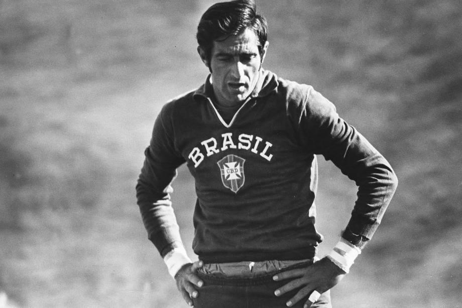 Felix, goleiro da Seleção Brasileira de 1970, durante treino