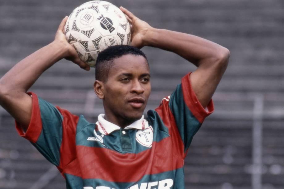 Zé Roberto em ação pela Portuguesa em 1994