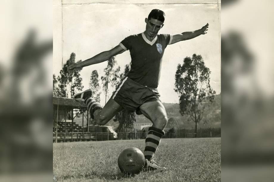 O jogador Julinho Botelho da Portuguesa em 1953