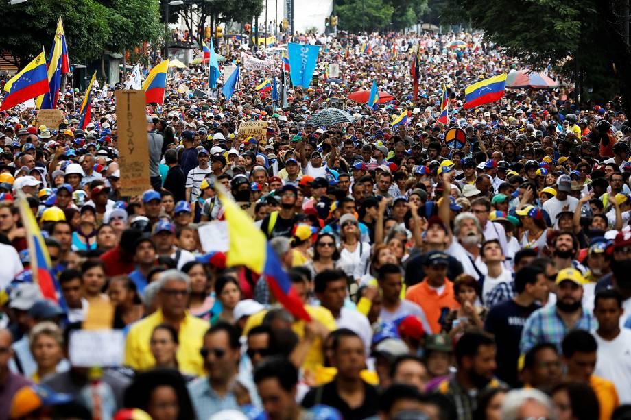 Manifestantes se reúnem em um novo protesto contra o presidente Nicolás Maduro, em Caracas, na Venezuela - 07/06/2017