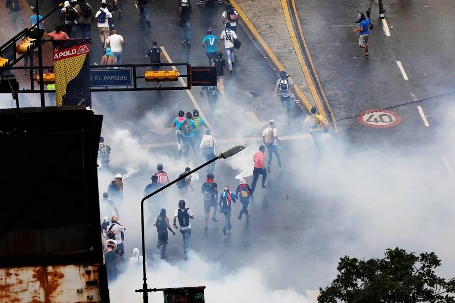 Manifestantes se reúnem em um novo protesto contra o presidente Nicolás Maduro, em Caracas, na Venezuela - 07/06/201