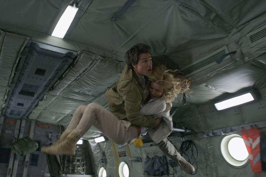 Tom Cruise (Rick O'Connell) e Annabelle Wallis (Jenny Halsey) em cena do filme 'A Múmia'