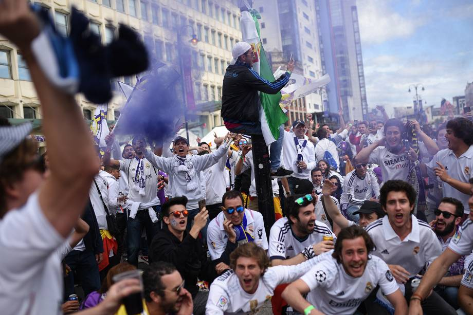 Fãs do Real Madrid chegam no Millenium Stadium, em Cardiff, no País de Gales para a final da Liga dos Campeões da Europa - 03/06/2017