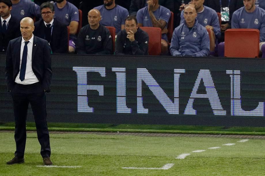 Zinedine Zidane do Real Madrid durante a partida contra a Juventus na final da Liga dos Campeões da Europa no Millenium Stadium, em Cardiff, no País de Gales - 03/06/2017