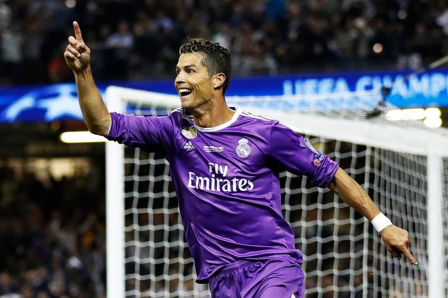 Cristiano Ronaldo do Real Madrid comemora o seu segundo gol durante a partida contra a Juventus, na final da Liga dos Campeões da Europa no Millenium Stadium, em Cardiff, no País de Gales - 03/06/2017