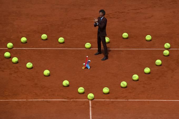 Guga é homenageado em Roland Garros