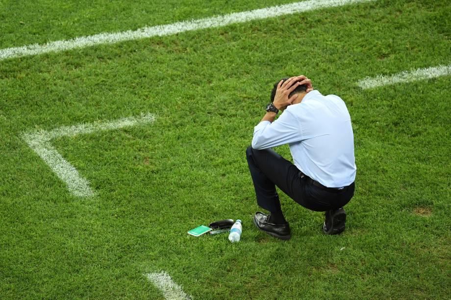 O técnico da seleção mexicana Juan Carlos Osorio reage durante a semifinal contra a Alemanha em Sochi - 29/06/2017